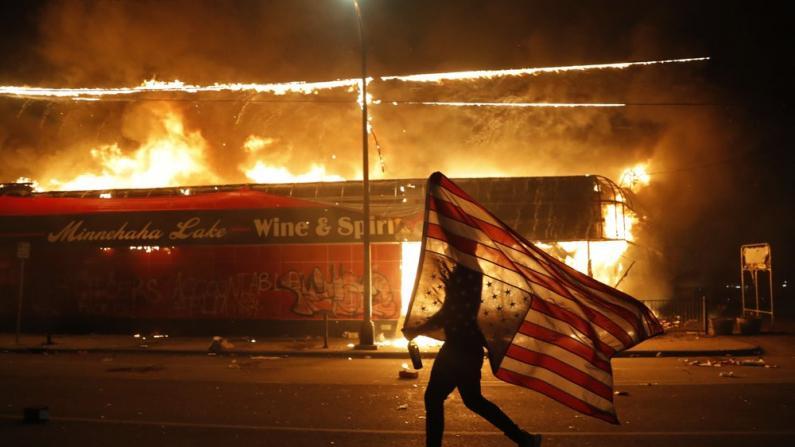 明州抗议升级!全美示威活动愈演愈烈,川普:国民警卫队准备就绪