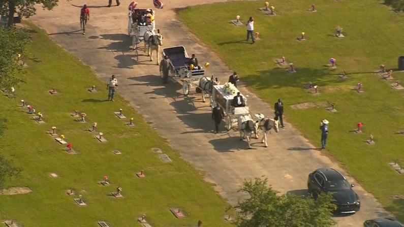 乔治·弗洛伊德下葬 拜登视频致悼词:是时候实现种族正义