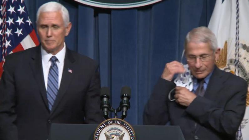 """彭斯确认美国新冠病例超250万 福契:现在检测手段""""无效"""""""
