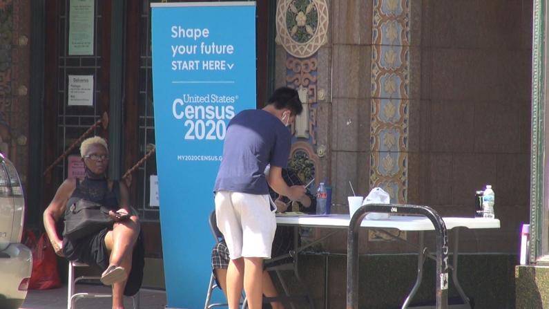 芝加哥人口普查局走进社区 面对面帮助民众填表