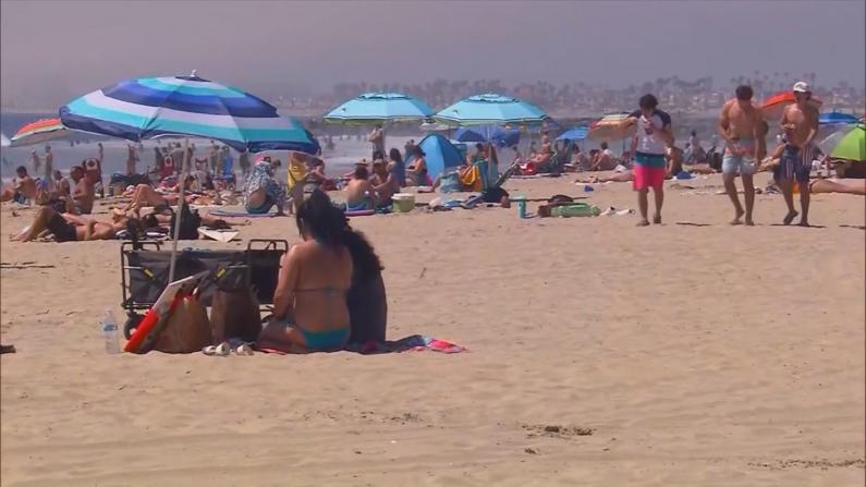 独立日南加海滩人满为患 洛杉矶确诊病例再创新高