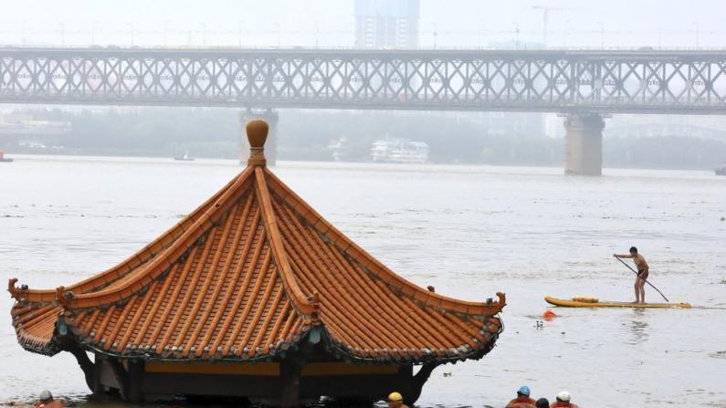 武汉关水位超警戒 鄱阳湖倒灌 华中多地洪涝致数百万人受灾