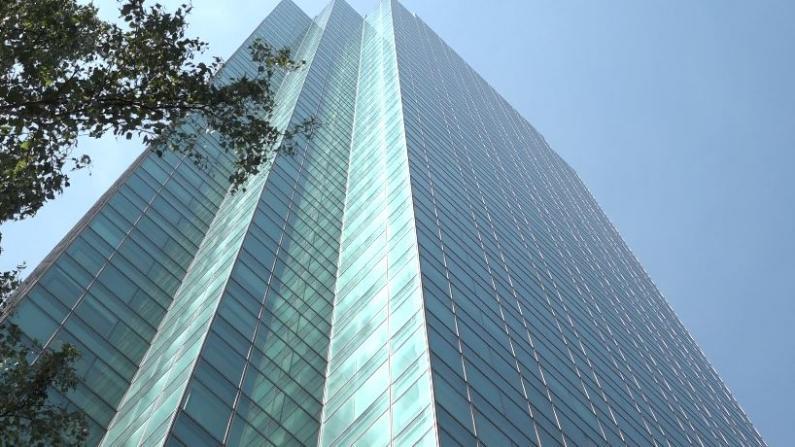 纽约曼哈顿6月空房率创新高 经纪:租金降两成 两个月才租出