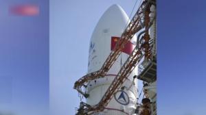 长征五号火箭垂直转运至发射区 近期择机实施中国首次火星探测