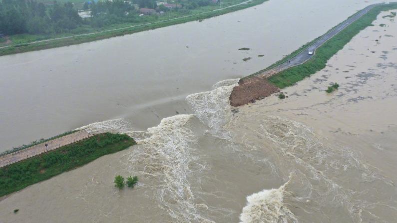 长江南京段水位24小时内两刷历史极值 安徽滁河爆破泄洪