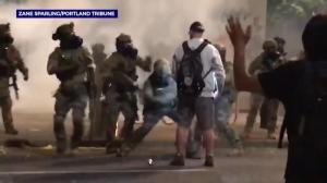 老兵在抗议现场竟遭暴打…波特兰无证逮捕争议发酵