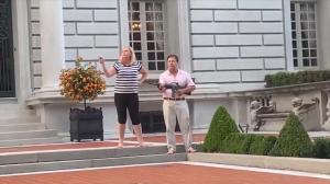 圣路易斯夫妇枪指示威者遭诉 州长检察长反对 川普:绝对荒谬