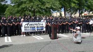 """""""警察等于安全""""麻州众警长联合反对警察改革法案"""