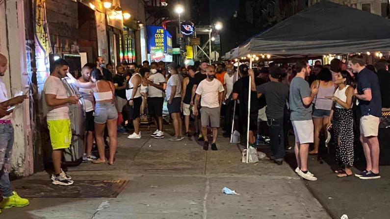 """""""社交距离""""酒吧难行 纽约州长防疫令引不满 华人业者这么说..."""