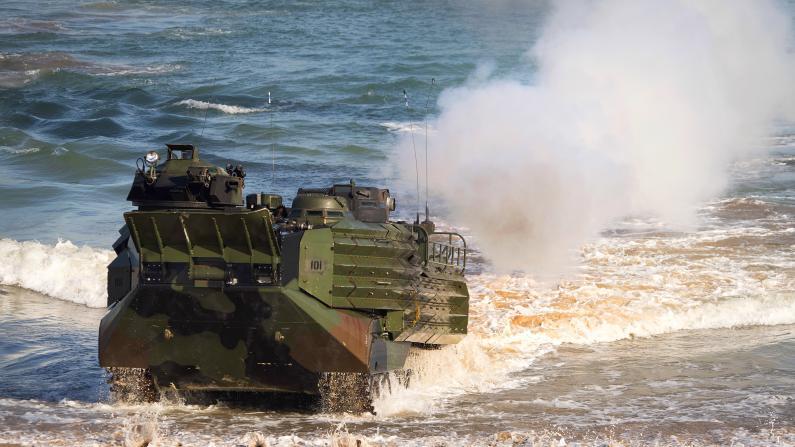 海军陆战队两栖战车突发事故致十余死伤 传战车曾漏水