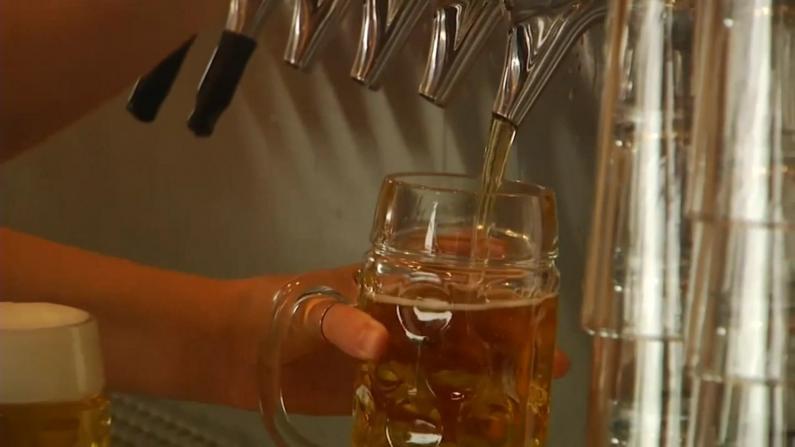 酒吧二次关门 芝加哥市府再提重开方案