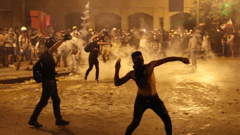 贝鲁特港口爆炸点燃民众怒火:抗议持续两天 700余人受伤