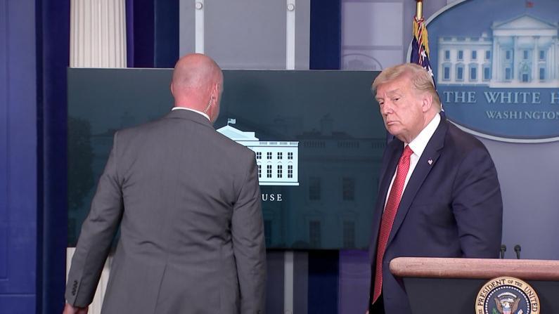 白宫外突发枪击 川普简报会期间被特工紧急带离
