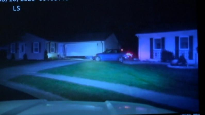 俄亥俄10岁男孩偷朋友车逆行撞房屋 开得还挺快?!