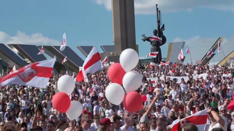 白俄罗斯抗议活动持续 卢卡申科表态愿交权