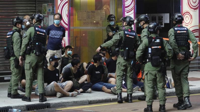 香港再起非法游行 港警至少拘289人 大部分涉非法集结