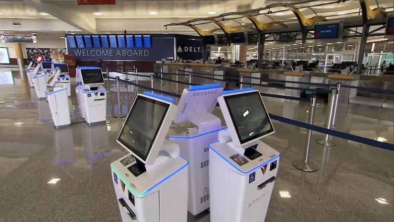 航班断客酒店停业 七成旅行社或倒闭 华人尤甚