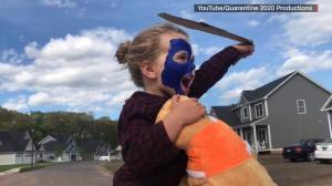 新冠隔离在家太无聊?康州4岁小女孩做了这样的事…