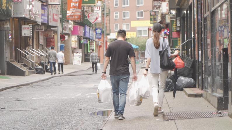 纽约华埠街道过窄无法户外用餐 开放堂食有救吗?