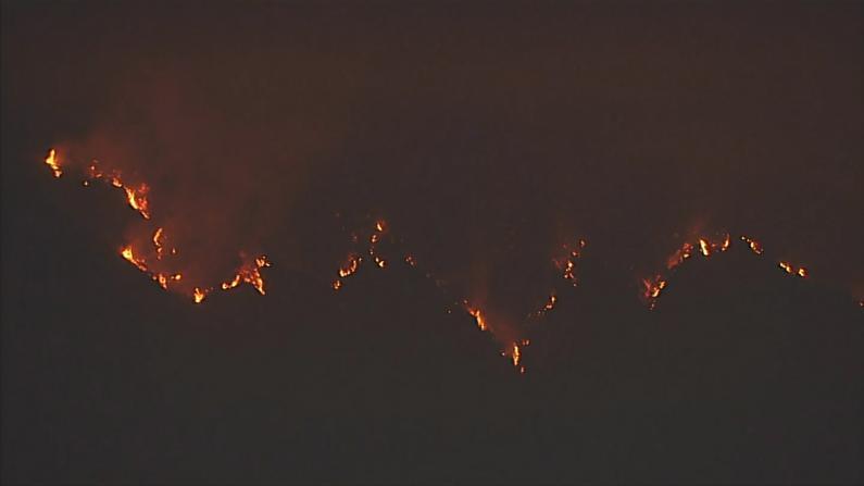 南加山火失去控制 威胁威尔逊天文台 北加遇难人数再上升