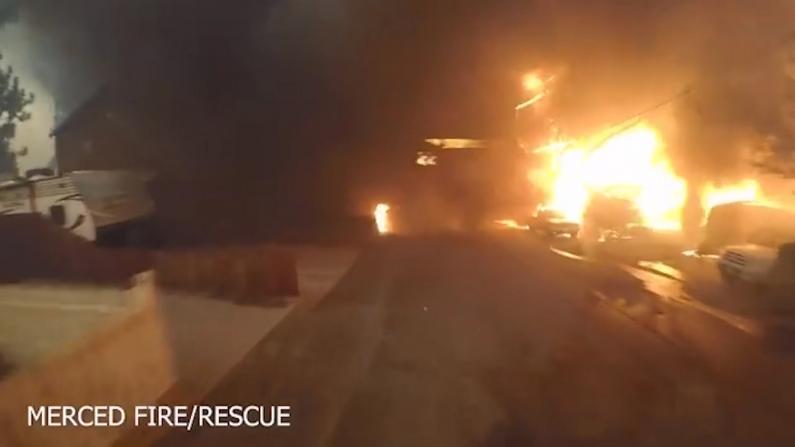 震撼!加州山火最初12小时画面公布 消防员争分夺秒救援