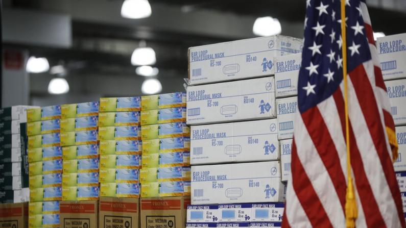 """《华盛顿邮报》曝USPS拟向全美发6.5亿口罩 白宫忧""""引发恐慌"""""""
