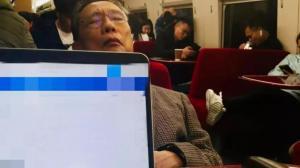 """钟南山回忆""""高铁网红照""""背后的故事"""