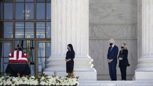 金斯伯格灵柩最高法院外供民众瞻仰 克林顿夫妇到场致敬