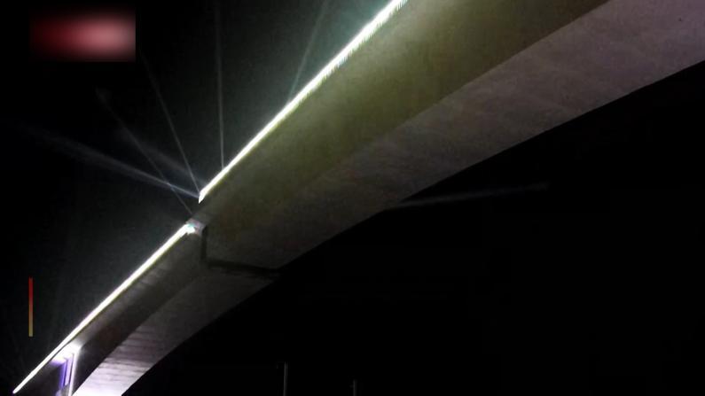 中国最大最重高铁跨铁路转体桥成功转体