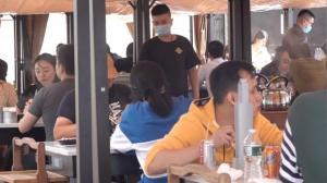 纽约法拉盛餐馆中秋客流小幅回升 月饼订单疫情中下跌