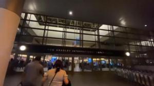 【色影无忌】中秋前夜送岳父登机回中国 看看现在的洛杉矶机场什么样