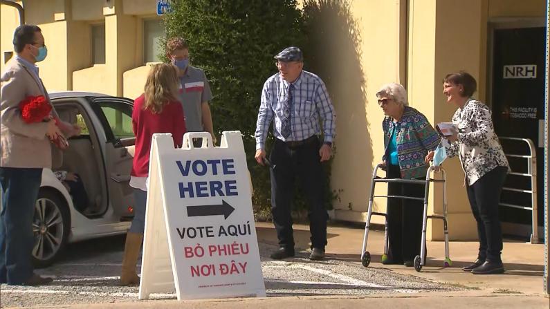 109岁老人亲自投票 她对年轻人这样说……