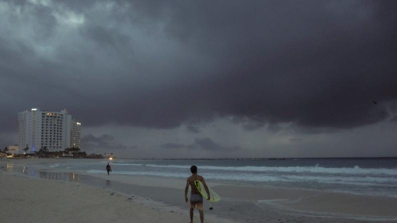 飓风Zeta来袭!墨西哥湾沿岸多地政府警告:勿掉以轻心