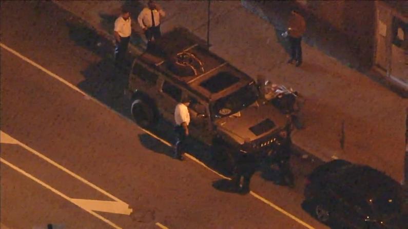 两男徘徊费城计票中心被捕 车中搜出大量武器