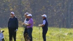 拜登获胜时 川普却在维州打高尔夫…