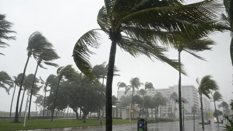 """热带风暴""""埃塔""""袭佛州 数百万人处于洪灾威胁"""