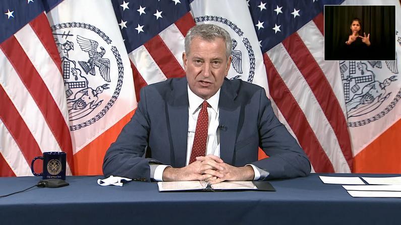 纽约市长:公校重开需先做这一步 酒吧餐厅早晚还得关