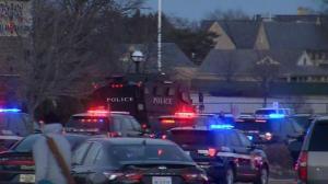 密尔沃基爆大规模枪击!重型防暴车出动 目击者:当时被吓傻了