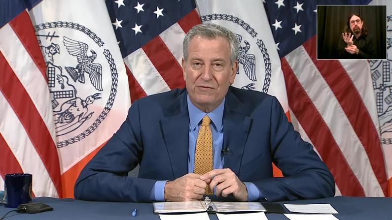 纽约市长白思豪:下周公布公校重开方案 需家长大力支持