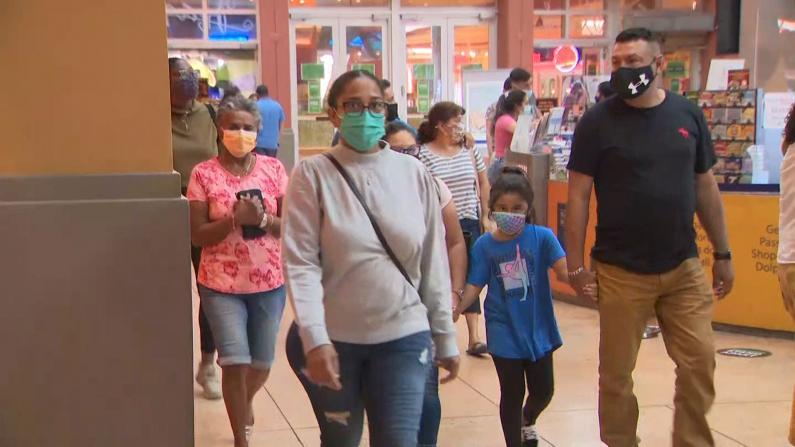 疫情下感恩节顾客倾向提前购物 商店推出了这些安全措施…