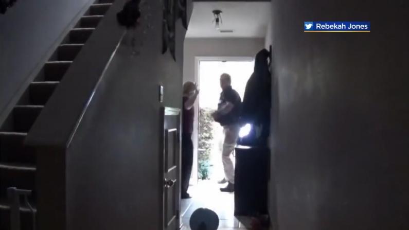 佛州警察突袭科学家住所 用枪指其家人孩子 只因…