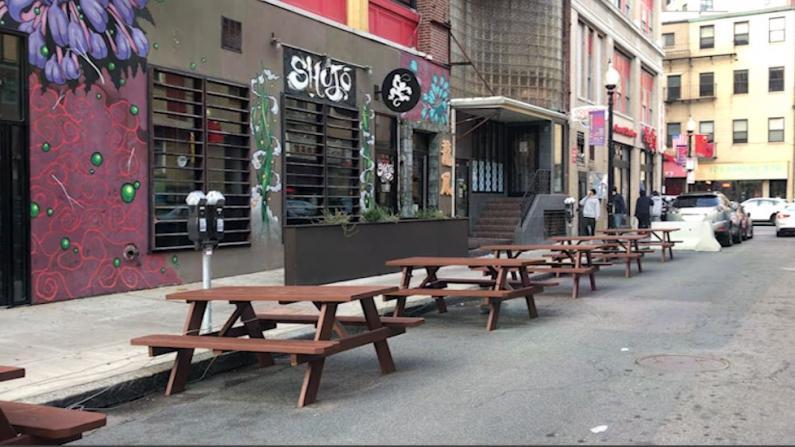波士顿明年4月将重开户外用餐 食客就餐仍需戴口罩