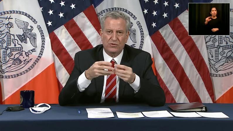疫情不断恶化 纽约市长警告:或在圣诞节后封城