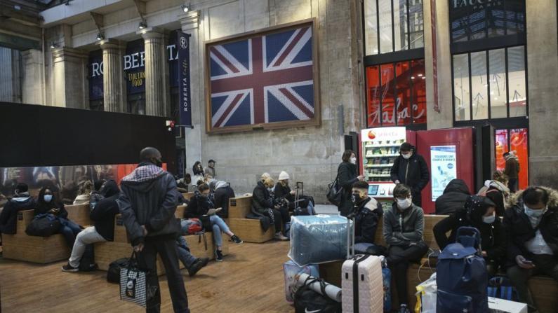 吸取教训?纽约州长市长强烈要求限制英国航班