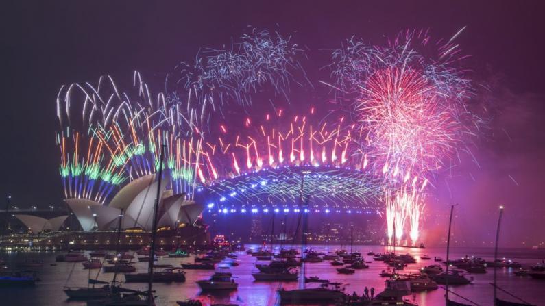 亚太多地已迈入2021 跨年烟花秀精彩纷呈