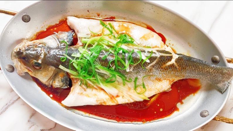 【Lychee Girl】小技巧:清蒸鲈鱼 如何做得像餐馆一样鲜美嫩滑?