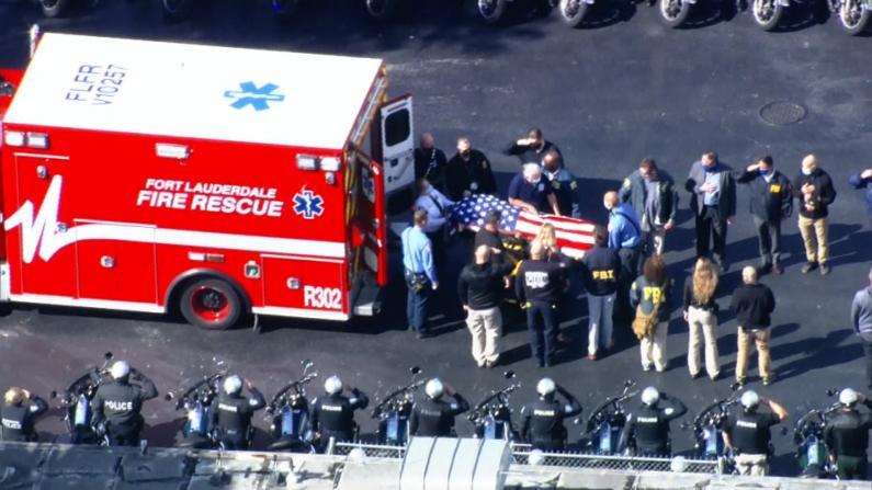 FBI佛州执行任务遭枪击2死3伤 殉职探员身覆国旗受护送致敬