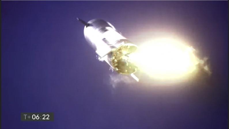 SpaceX新型火箭试验出故障 坠毁炸出巨大火球