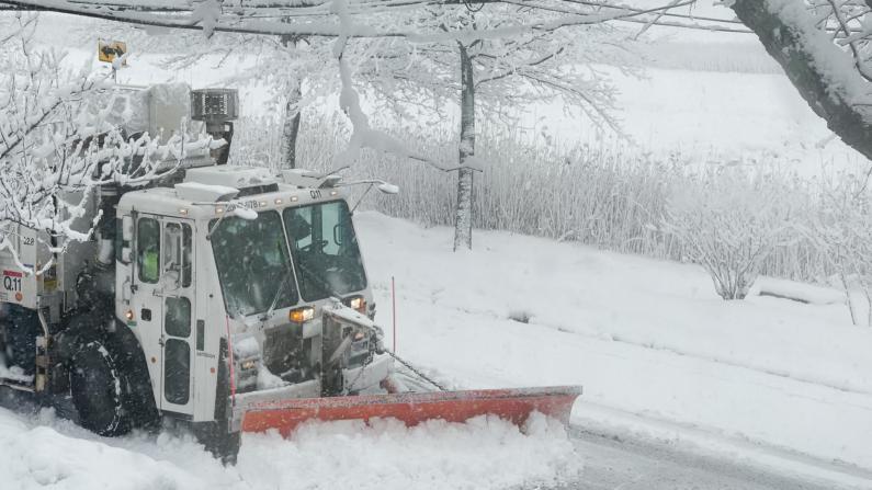 """一周两遇暴雪天气 纽约餐饮业生意再""""受伤"""""""