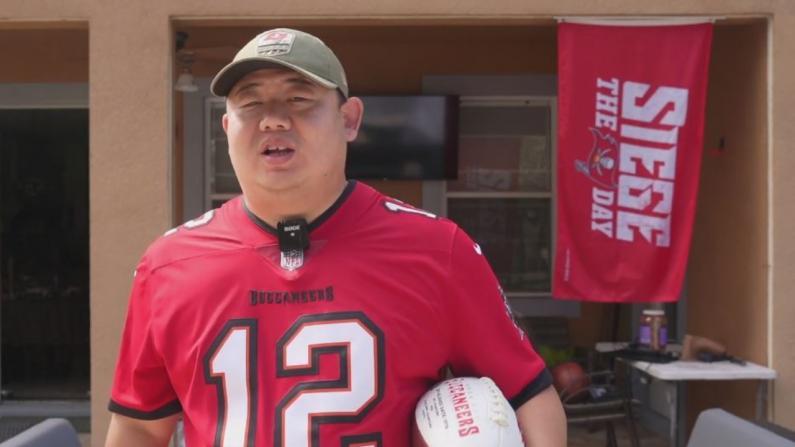 """【佛州生活】又一年美国""""春晚""""结束 冠军队球迷来说说:美国人为什么如此爱橄榄球?"""